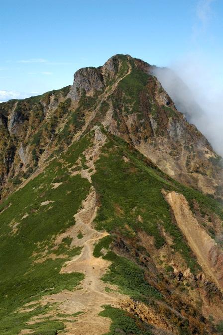 20111001-22中岳分岐から見た中と阿弥陀