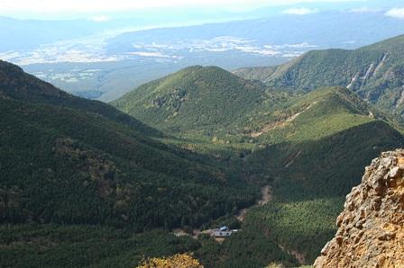 20111001-32地蔵尾根から見た行者小屋と南沢