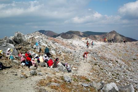 20111008-14茶臼岳反対側へ下る