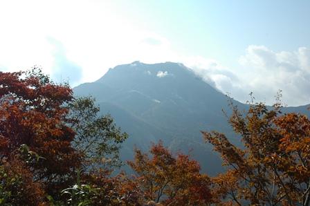 20111009-07茶臼岳遠景