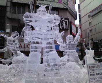 ②100207ガンダム氷像.jpg