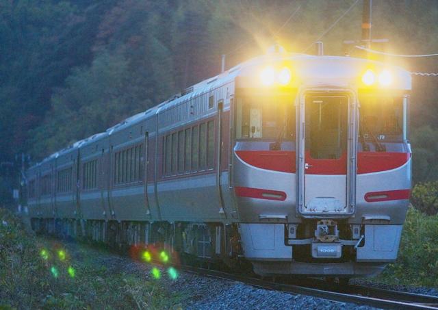 101128-JR-W-189-hamakaze-1.jpg