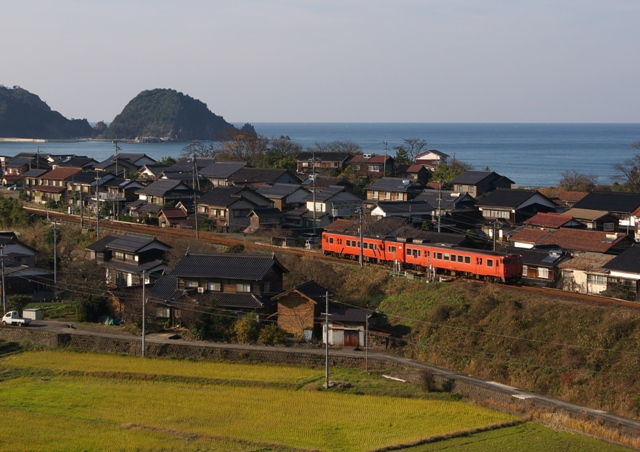 101219-JR-W-DC48-higashihama-3.jpg