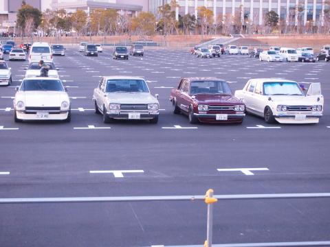 ニューイヤー 駐車場
