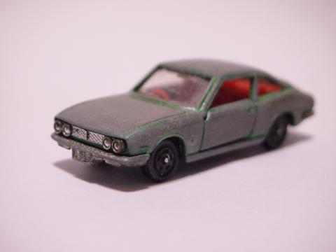 トミカ いすゞ117クーペ