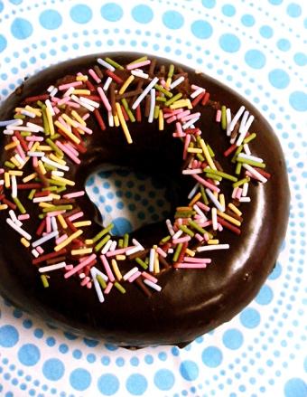 『クリスピー・クリーム・ドーナツ』のスプリンクル&チョコレート