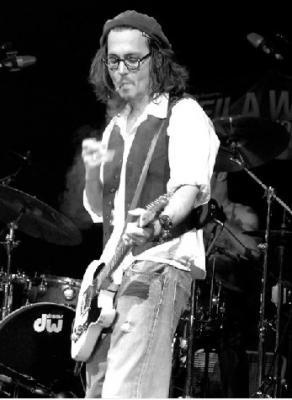 ジョニー未見ギター