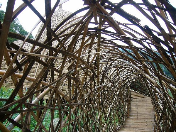 竹で作ったアートアップ