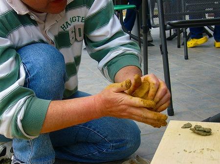 土から粘土作り