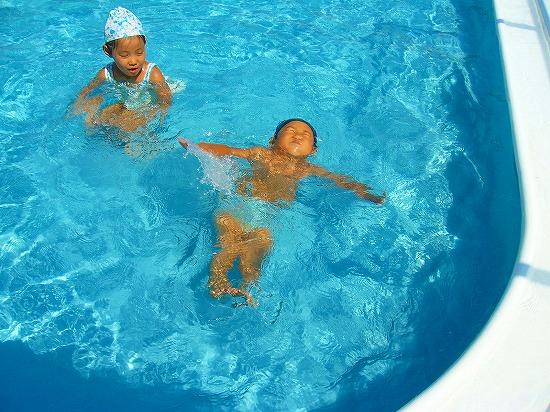 上向き泳ぎ