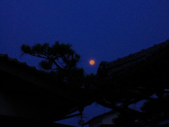7月27日の朝満月