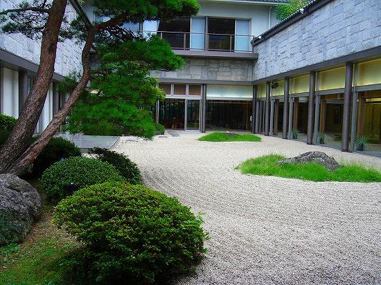 鷺乃湯の庭