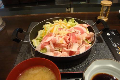 100127-001生姜焼き鍋(縮小)