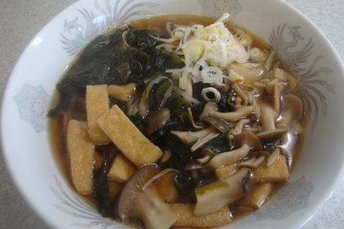 100207-102きつねわかめきのこ蕎麦(縮小)