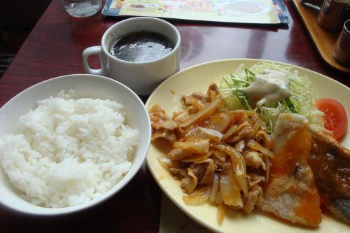 100219-003豚生姜焼きと白身魚のチリソース(縮小)