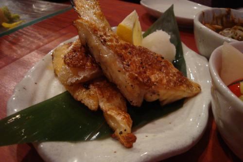 101209-011鮭ハラス焼き(縮小)