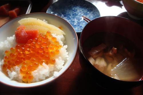 110102-001いくらご飯(縮小)