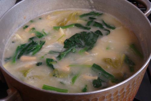 110201-030白菜とほうれん草のクリームソース煮(縮小)