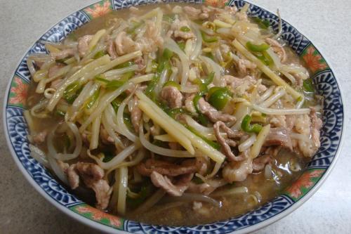 110202-010豚細切り肉と野菜の炒め煮(縮小)