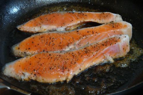110219-010鮭のガーリックマーガリン焼(縮小)