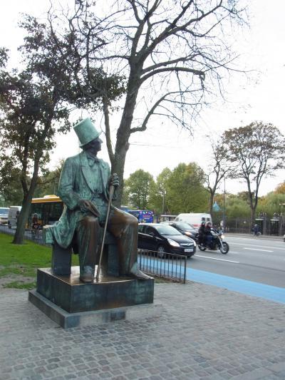 20101003おじさんの像