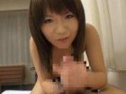 【南芽衣奈】巨乳娘のオナニー手コキフェラサポート