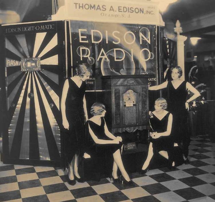 new-york-1920s-fashion.jpg