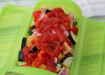 トマト缶のトマト2個分