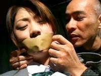 【無修正】通学途中のJK拉致監禁暴行するハゲおやじ!!
