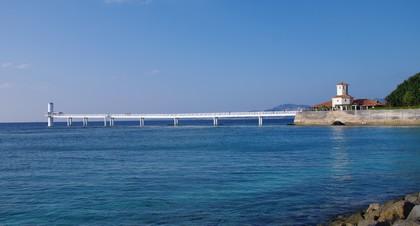 海中展望塔とグラスボート