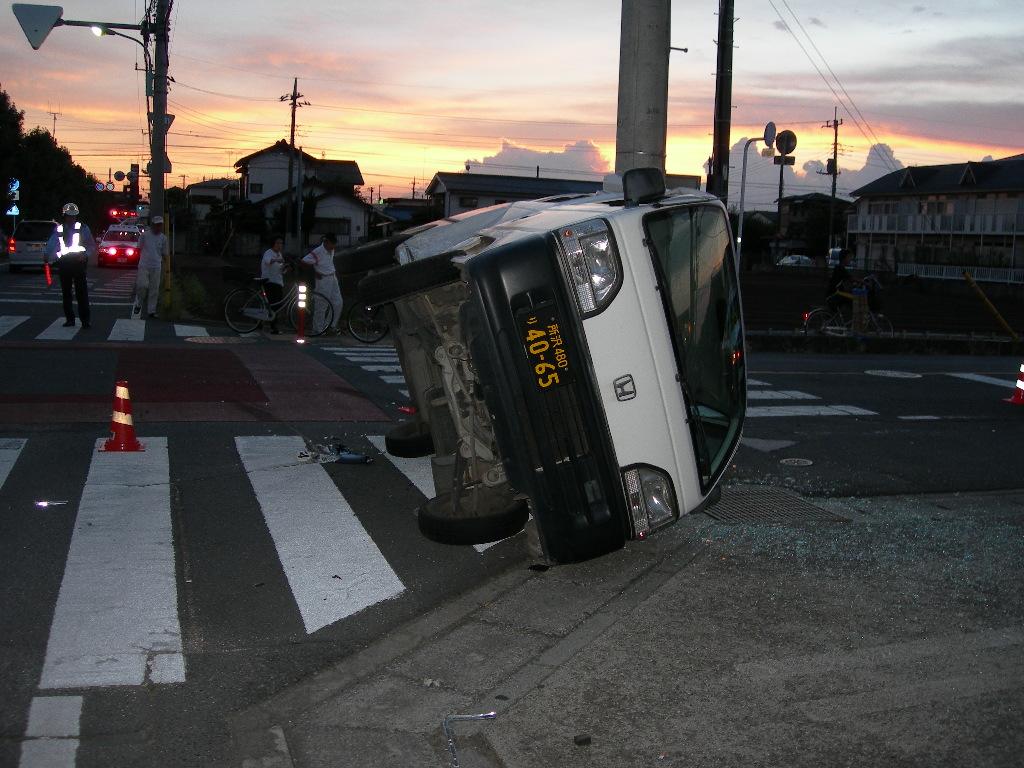 交通事故(4)