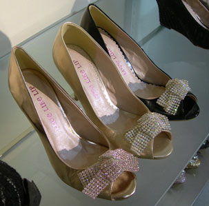 lovelikelipshoes.jpg
