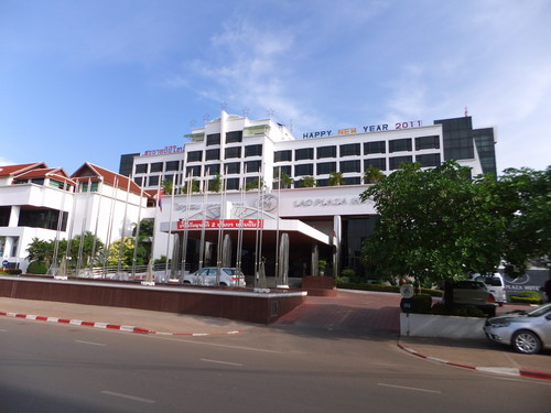 1- Lao Plaza 01