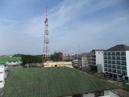 1- Lao Plaza 06