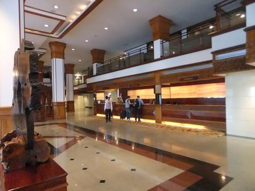 1- Lao Plaza 08