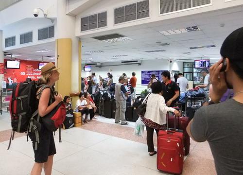 1-Phuket Airport  02