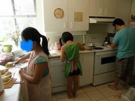 オット&子ども 料理中