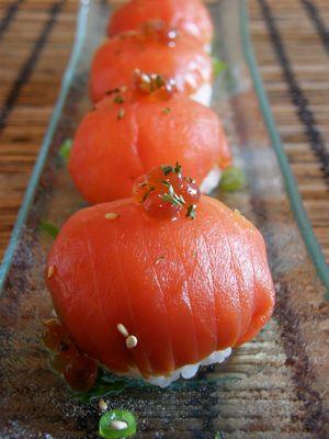 サーモンの手毬寿司