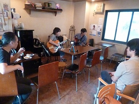 g村山義光講師が受講者同士のセッションを観戦