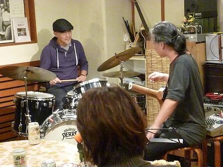 g村山義光講師とドラム受講者