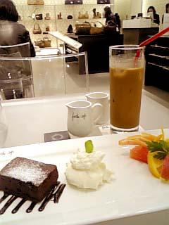 furla cafe チョコレートケーキ生クリーム添え+アイスコーヒー