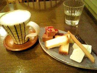 松竹堂cafe ケーキプレート+アーモンドミルクコーヒー