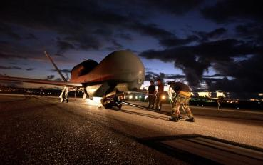 無人偵察機 グローバルホーク RQ-4 Global Hawk