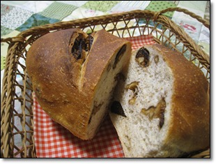 いちじくとクルミのパン