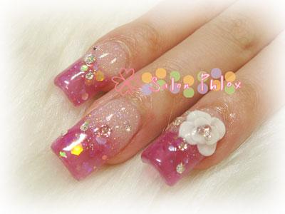 白い花ピンクラメ