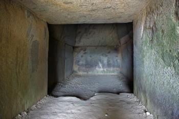 岩屋山古墳石室