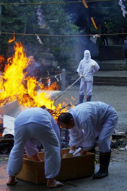 石上 焼納祭1