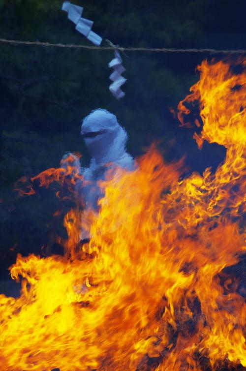 石上 焼納祭 炎2