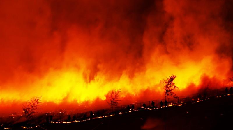 山焼き 消防団1