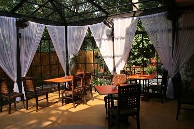 cafe-lodi-delhi.jpg